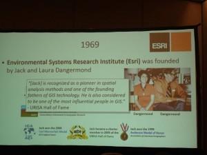 1969年 Esri社設立