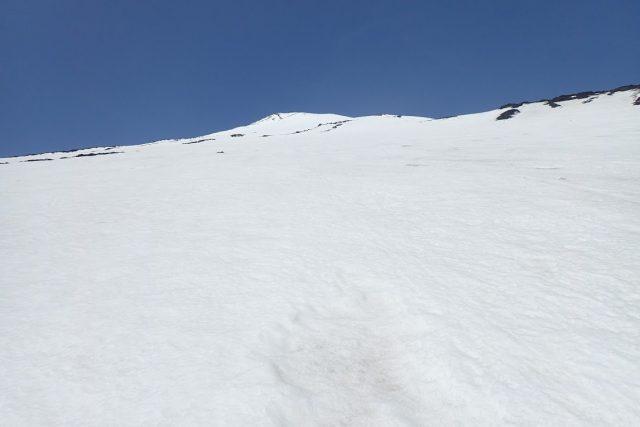 山頂は近そうに見えて近くない
